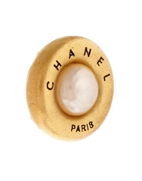 Image 3 ofSusan Caplan Vintage Chanel &#39;90s Pearl Earrings