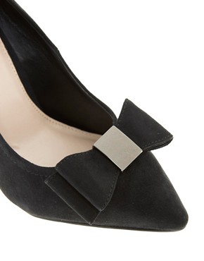 Image 3 ofCarvela Annabelle Pointed Bow Court Shoes