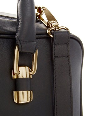 Image 4 ofASOS Leather Doctors Bag
