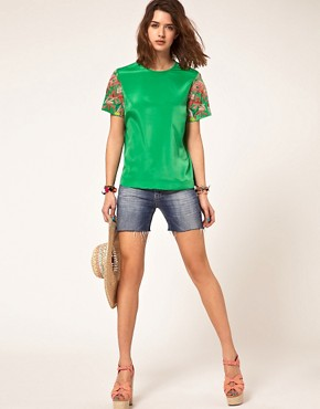 Bild 4 von ASOS  Gewebtes T-Shirt mit bestickten rmeln