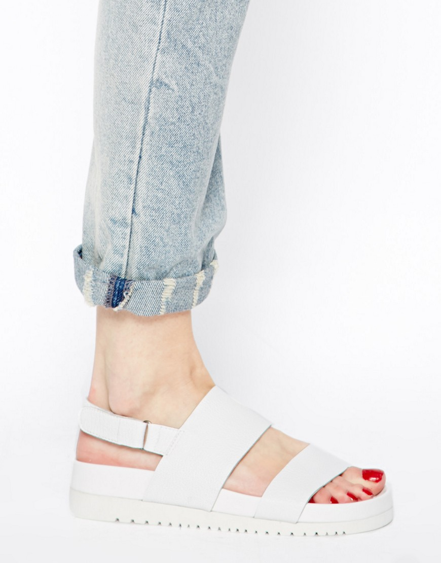 Image 3 of Senso Iggy White Footbed Flat Sandals