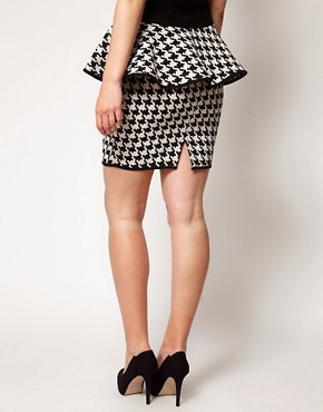 Image 2 ofASOS CURVE Exclusive Peplum Skirt In Dogtooth