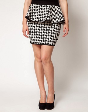 Image 4 ofASOS CURVE Exclusive Peplum Skirt In Dogtooth