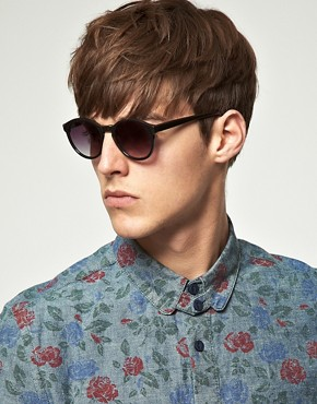 Image 3 ofASOS Black Keyhole Round Lens Sunglasses