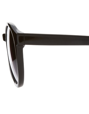 Image 4 ofASOS Black Keyhole Round Lens Sunglasses