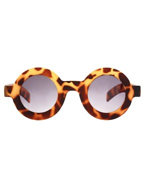 Image 2 ofASOS Flat Round Tortoiseshell Sunglasses