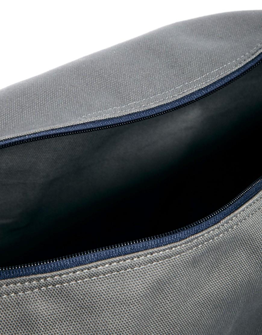 Image 3 ofConverse Graphic Barrel Bag