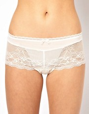 Esprit Enticing Short