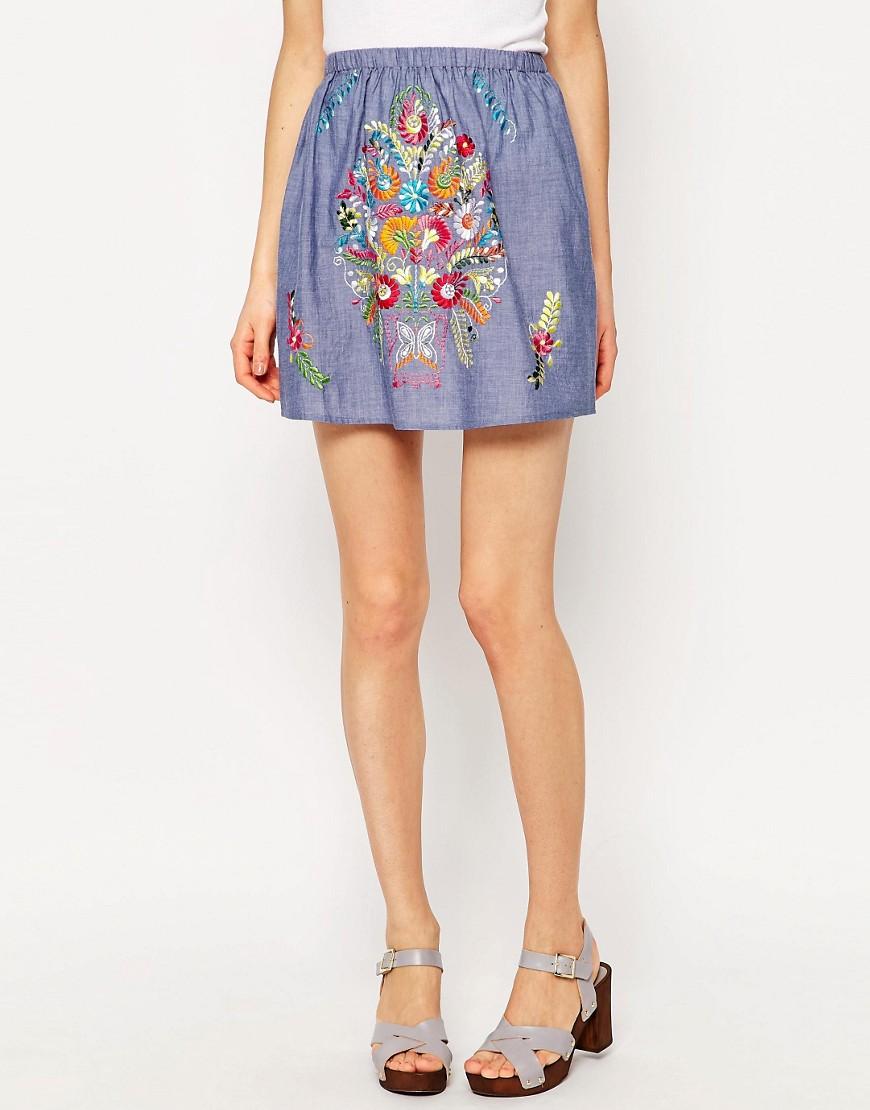 Image 4 - ASOS - Mini-jupe en chambray à broderies de couleur vive