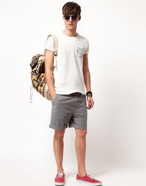Image 4 ofASOS T-Shirt With Leaf Print Pocket