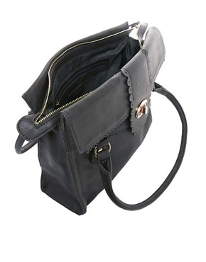 Image 2 ofOasis Scallop Lock Tote