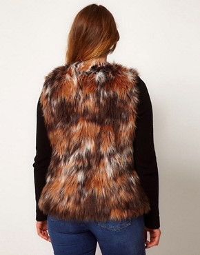 Image 2 ofASOS CURVE Exclusive Fur Gilet