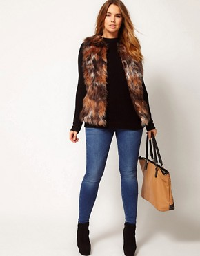 Image 4 ofASOS CURVE Exclusive Fur Gilet