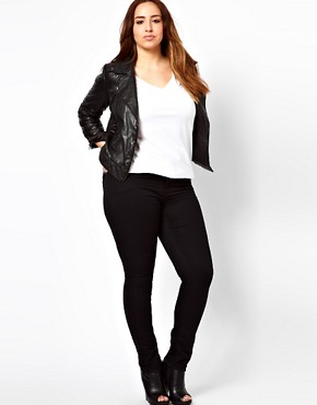 Image 4 ofASOS CURVE Exclusive Ridley Super Soft Skinny Jeans