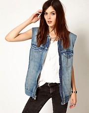 Levi&#39;s Sleeveless Longline Trucker Jacket
