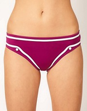 Huit Lucky Brief