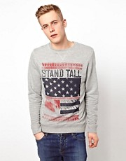 Sudadera con estampado de bandera y eslogan Stand Tall de ASOS