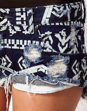 Image 3 of One Teaspoon Bonitas Shorts in Aztec Print