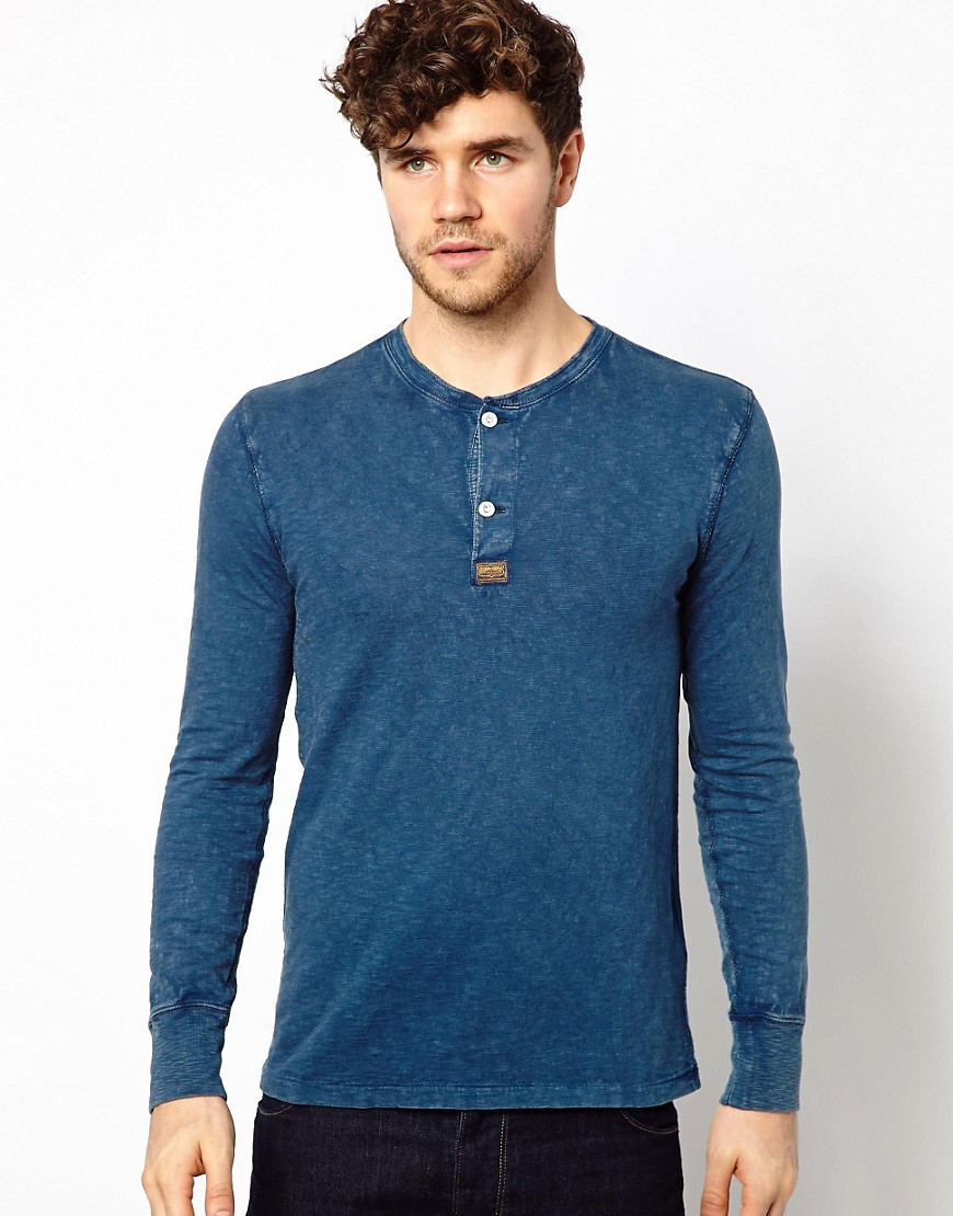 A&F mens henleys are available in many different fabrics including lightweight knits, warm wools, recycled materials, and our softest cottons. A perfect combination tee and shirt (and sometimes even, sweater), a good henley fills the fashion gap between casual and slightly dressed up.