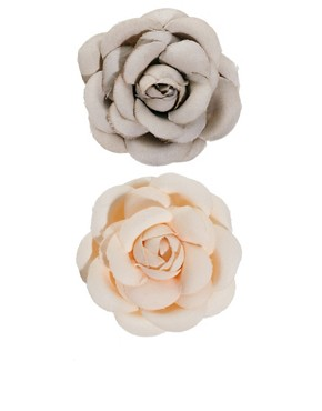 Image 1 ofOasis Two Pack Flower Clips