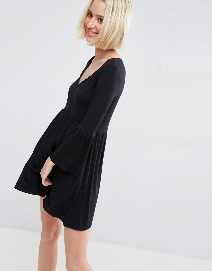 ASOS Smock Dress With V Neck and Trumpet Sleeve - Black