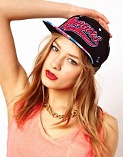 Gorra teida anudada con broche trasero y texto Rangers de Zephyr