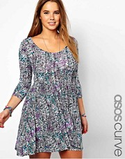 Vestido skater con estampado de garabatos exclusivo de ASOS CURVE