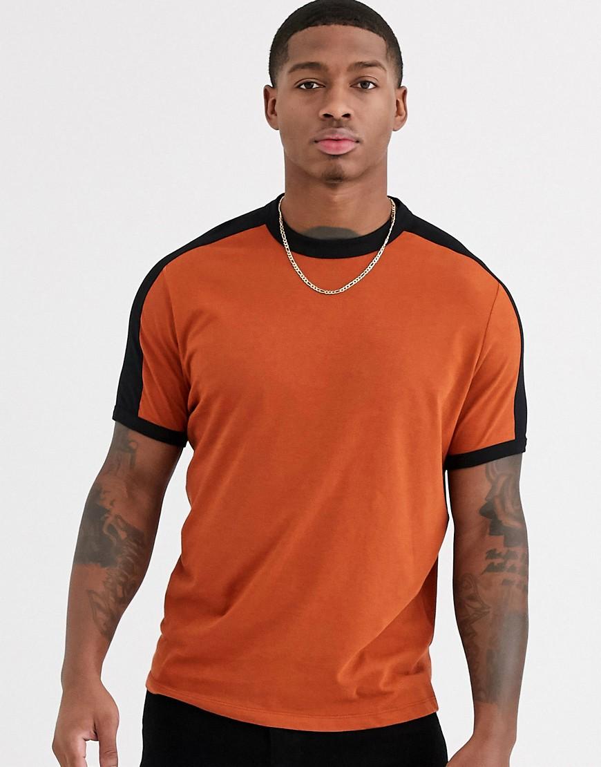 - ASOS DESIGN – T-Shirt aus Bio-Baumwolle mit abgesetzter Schulterpartie in Bronze