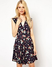 Vestido skater sin mangas con estampado floral de French Connection