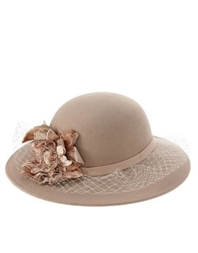 Image 2 ofCatarzi Exclusive For Asos Net &amp; Flower Lady Hat
