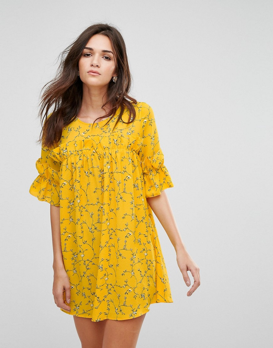 AX Paris 3/4 Sleeve Ditsy Floral Print Dress With Ruffle Detail