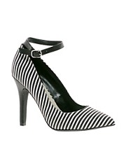 New Look Stripe Pointed Court Shoes