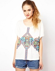 Camiseta extragrande con estampado de goma azteca de Minkpink