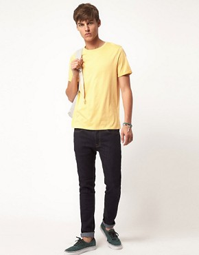Bild 4 von ASOS  T-Shirt mit verblichenem Design