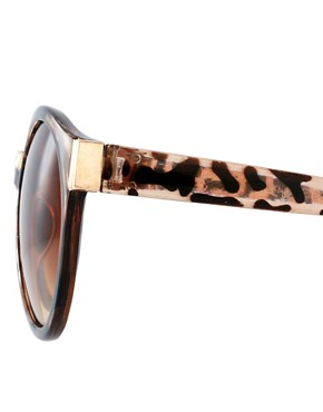 Image 4 ofASOS Round Sunglasses With Mixed Bridge Detail
