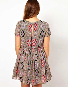 Image 2 ofASOS CURVE Skater Dress in Paisley Print