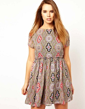Image 4 ofASOS CURVE Skater Dress in Paisley Print
