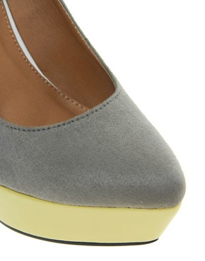 Image 2 of ASOS PARAMOUNT Pointed Wedges