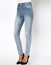 Levi&#39;s Distressed High Rise Skinny Jeans