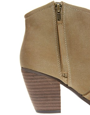 Image 2 ofRiver Island Easy Mink Block Heel Boots