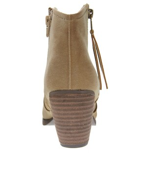 Image 4 ofRiver Island Easy Mink Block Heel Boots