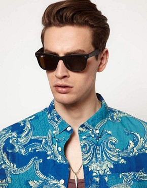 Image 3 ofRay-Ban Wayfarer Foldable Sunglasses with Polarised Lens
