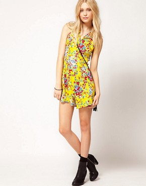 Image 4 ofMotel Ditsy Floral Playsuit