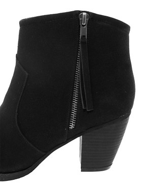 Image 2 ofRiver Island Easy Block Heel Boots
