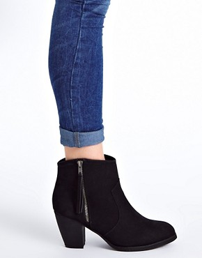 Image 3 ofRiver Island Easy Block Heel Boots