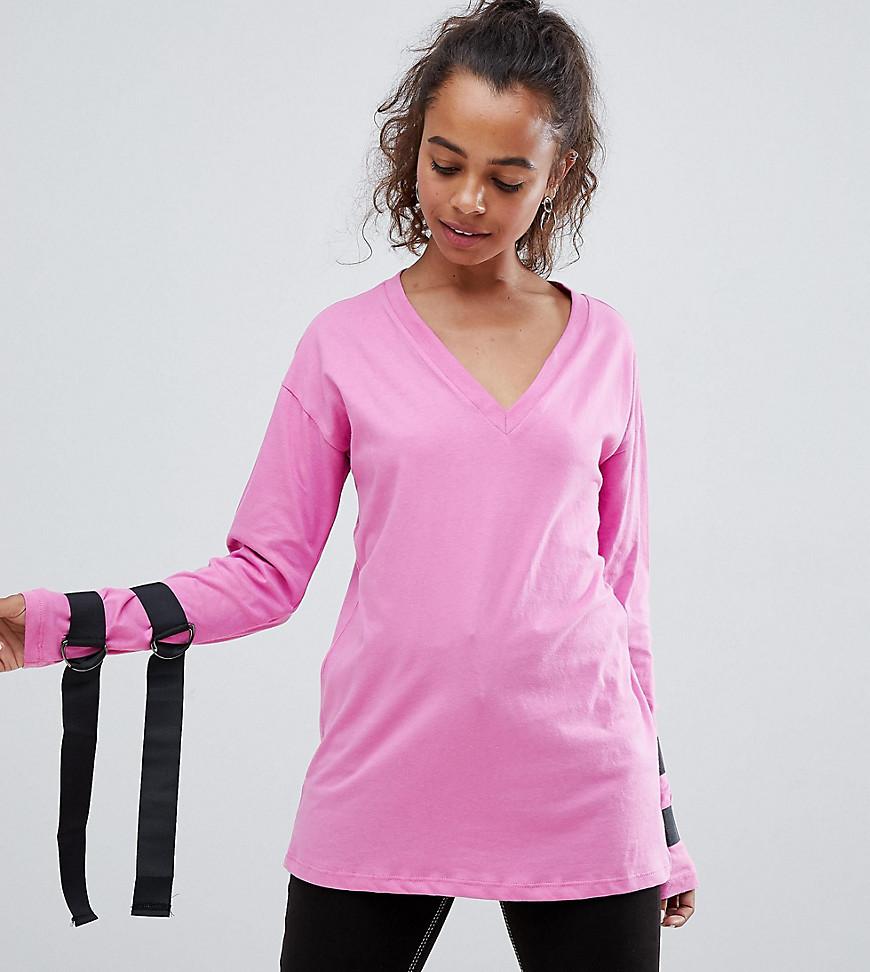asos petite - Langärmliges Oberteil mit Bindegürtel mit D-Ring und Rückenausschnitt mit Bindebändern - Rosa