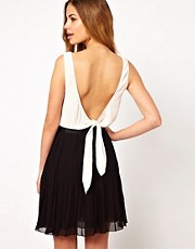 Dress Gallery Colourblock Dress with Extreme Scoop Back
