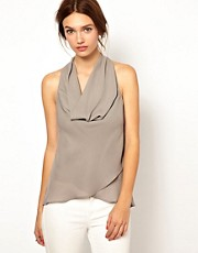 Top con cuello halter desbocado de Warehouse