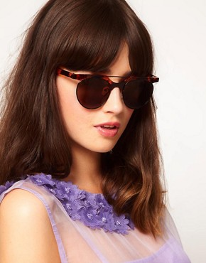 Image 3 ofASOS Flat Top Bar Detail Round Sunglasses