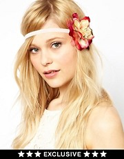 Banda para el pelo con rosa en exclusiva para ASOS de Her Curious Nature